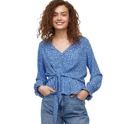 Модная блузка с завязками