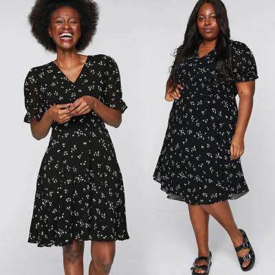 CUBUS / Шифоновое платье миди с цветочным принтом на черном фоне